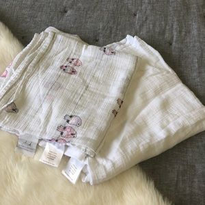Aden + Anais little girl Muslin blankets (2)